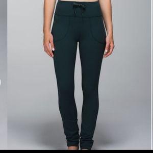 Lululemon size 4 high rise skinny will pant